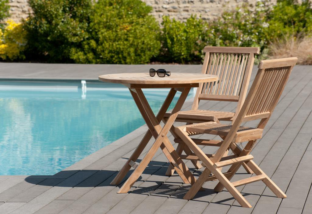 Salon de jardin en teck brut Table ronde pliante 80cm 2 chaises SUMMER