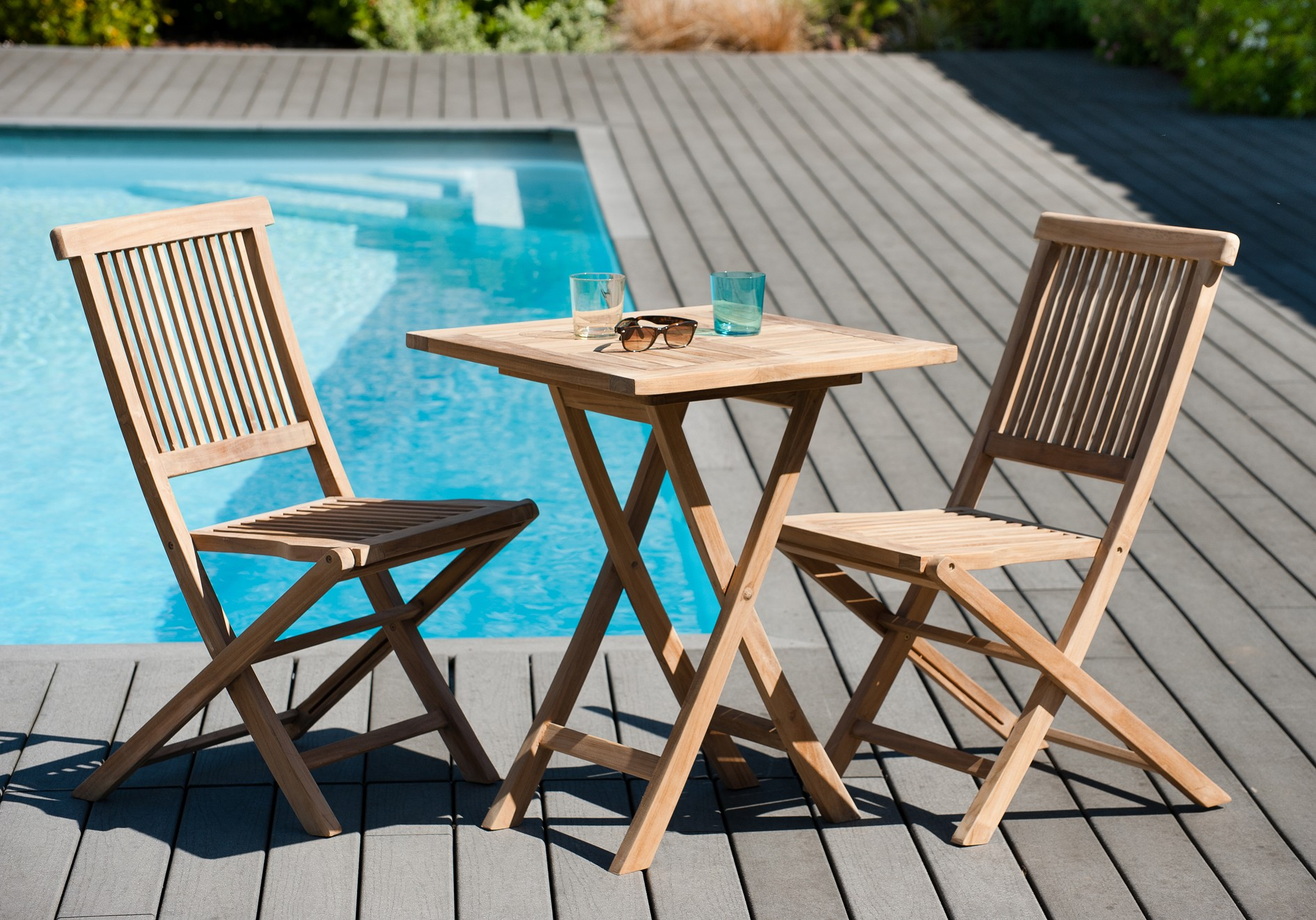Salon de jardin en teck Table carrée 60 cm et 2 chaises Java ...