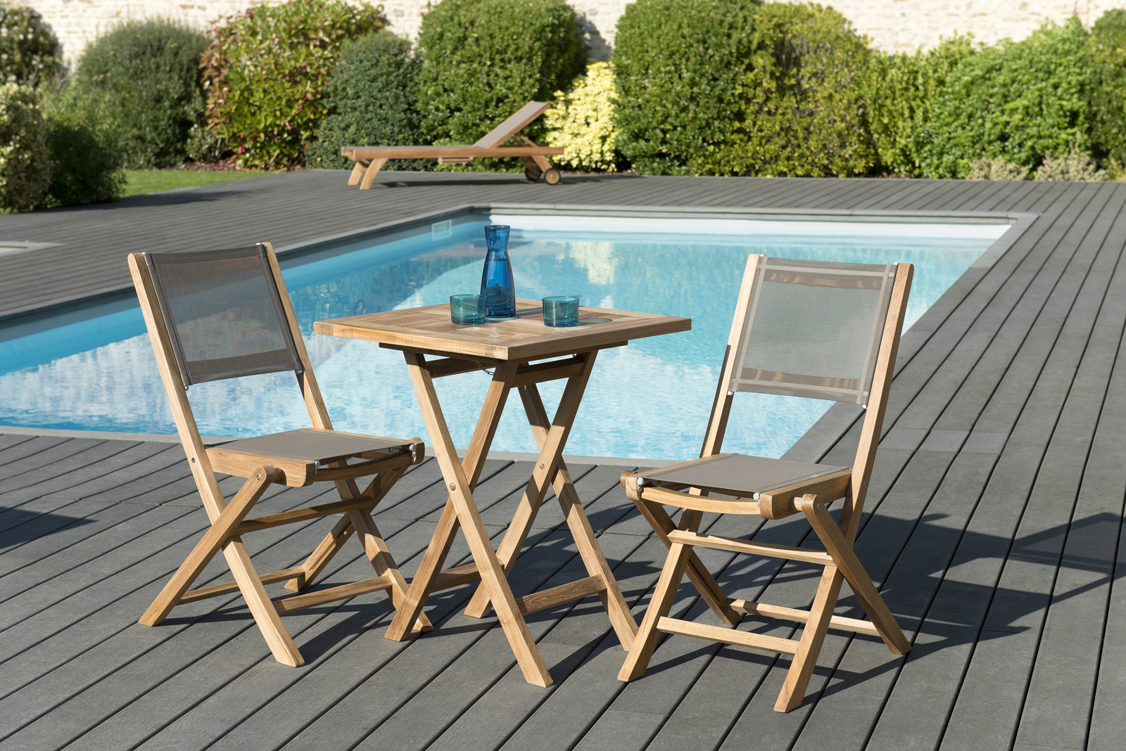 Salon de Jardin Teck Table carrée 60x60 + 2 chaises pliantes SUMMER ...