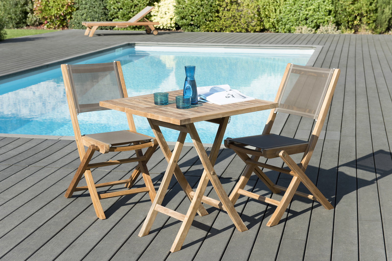 Salon de Jardin Teck Table carrée 70x70 + 2 chaises pliantes SUMMER ...
