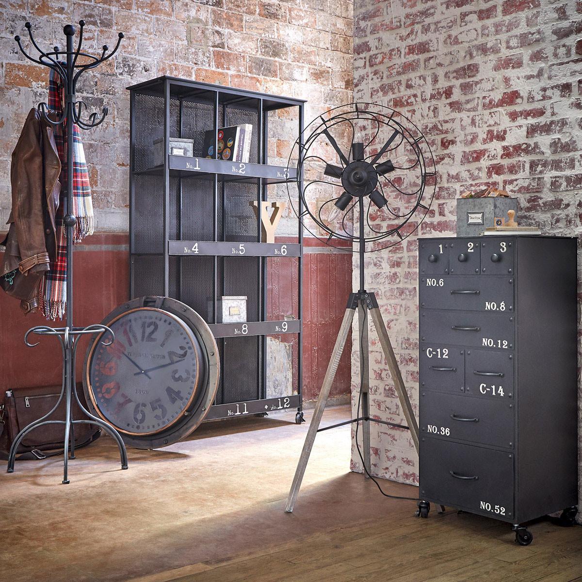 Meuble de rangement industriel métal noir vieilli roulettes ATELIER | Chiffonniers / Grainetiers ...
