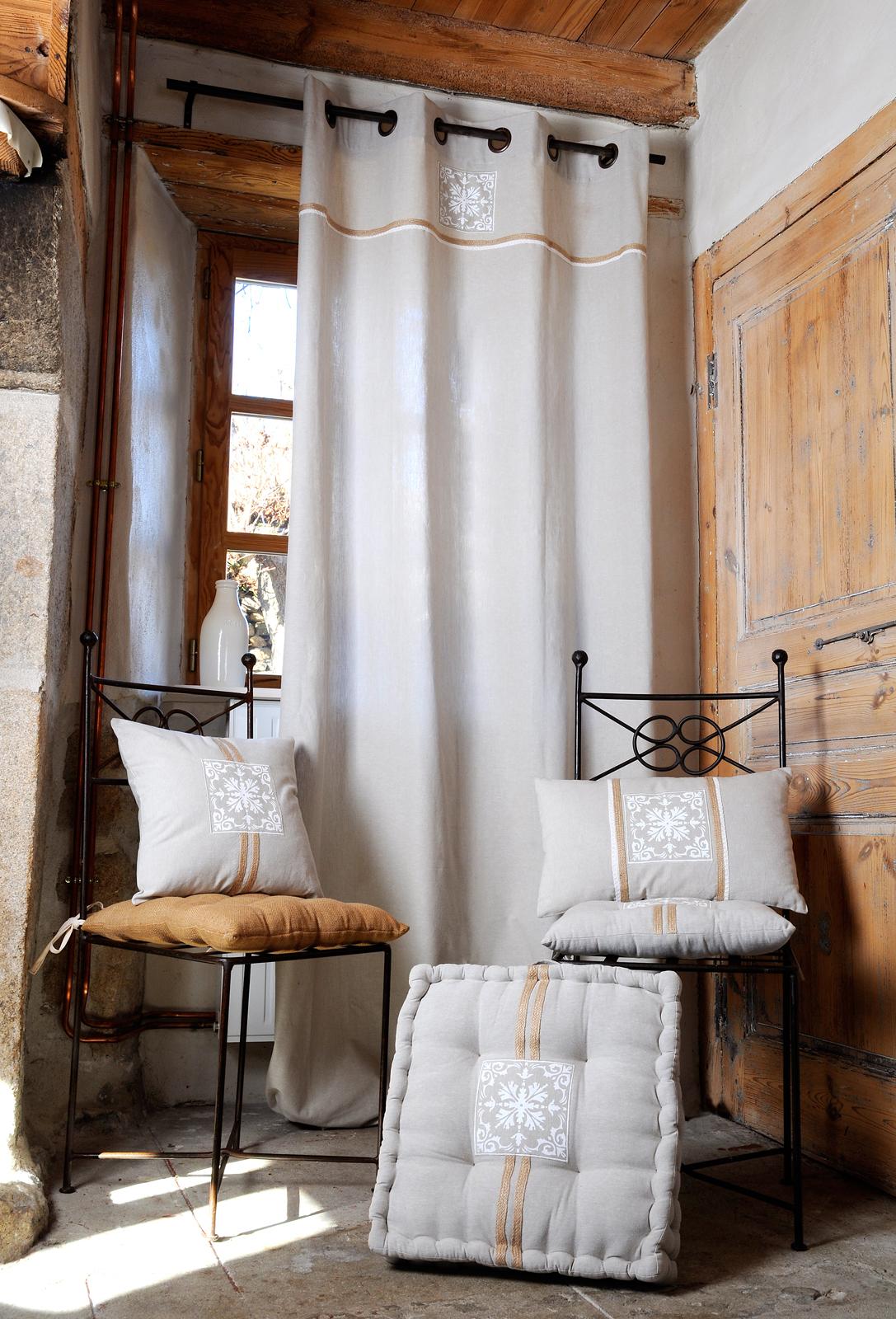 Couleur Lin Et Gris rideau motif baroque couleur lin avec broderie et liseré jute 135x260cm à  oeillets 100% coton chambord