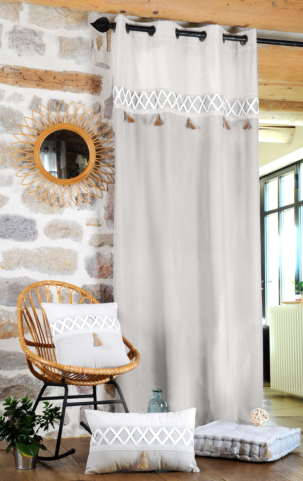 rideau couleur lin et blanc et pompoms beige 140x260cm à