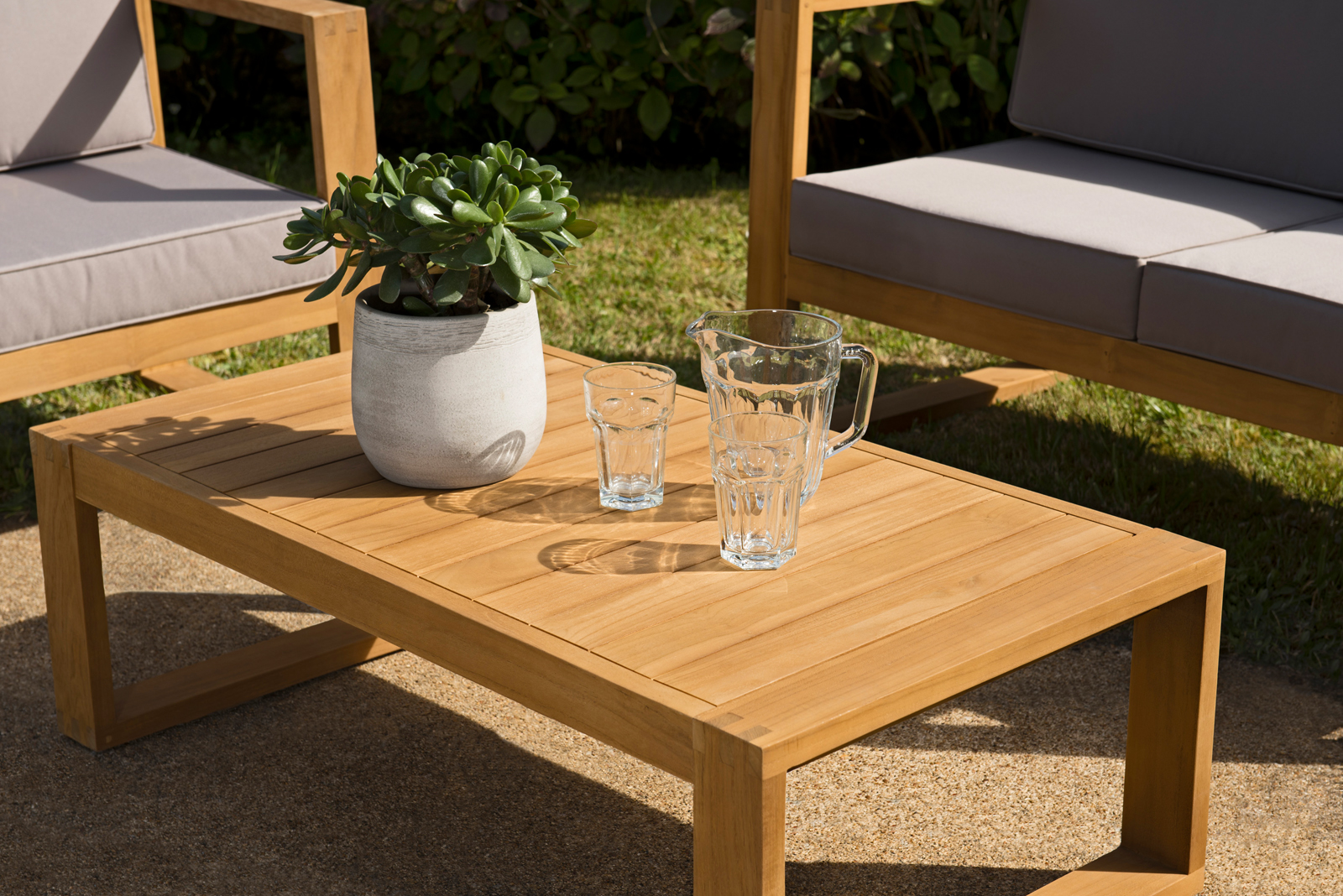 Salon de jardin en teck SUMMER (1 canapé 3 places, 2 fauteuils, 1 table  basse)