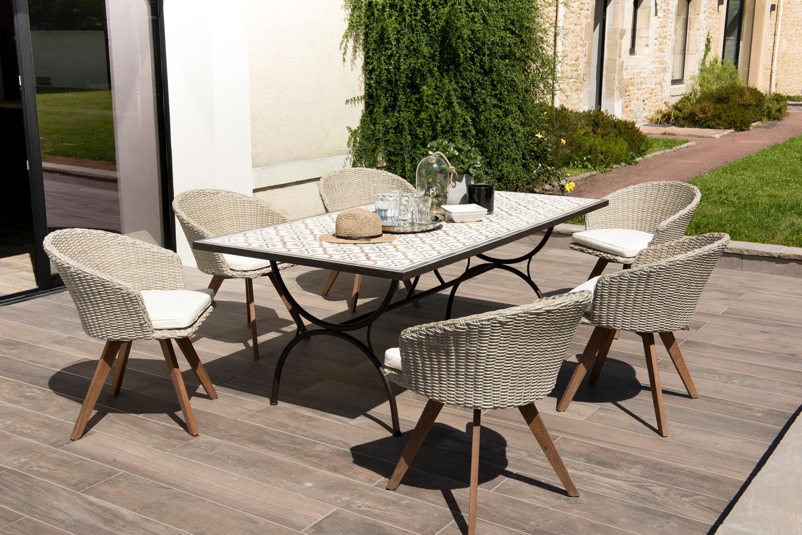 Salon de jardin SUMMER (7 table de jardin 7x700 carreaux de ciment, 7  fauteuils de jardin)